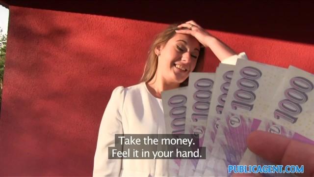 Parayı Gören Sürtük Kendini İyi Pazarladı